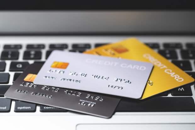 Разбор: какие данные банковской карты никогда нельзя сообщать другим людям