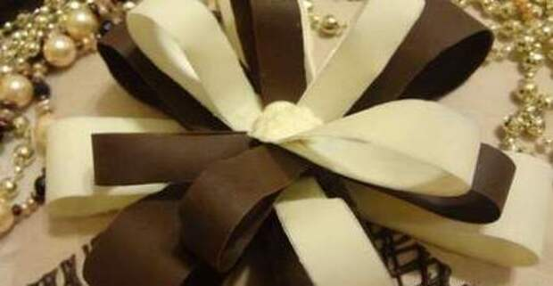 Восхитительный шоколадный бант — лучшее украшение любой выпечки