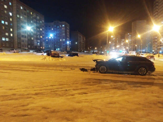 Два человека получили травмы в аварии на улице 40 лет Победы в Ижевске