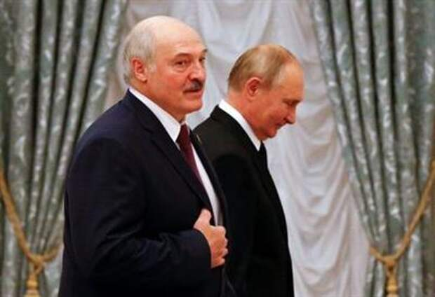 Russian President Vladimir Putin and his Belarusian counterpart Alexander Lukashenko attend a news conference following their talks at the Kremlin in Moscow, Russia September 9, 2021. REUTERS/Shamil Zhumatov