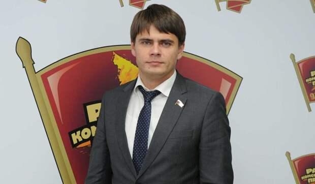 Все так делают: сын оправдался за хамскую парковку Боярского возле консульства