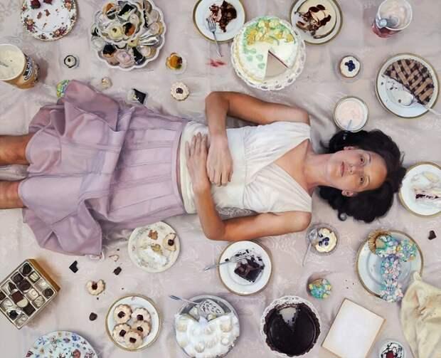 Зависимость от еды в серии гиперреалистичных картин