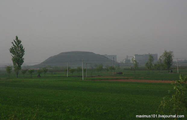 Пирамиды Китая