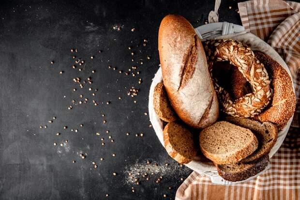 Не только хлеб: 6 продуктов, которые нельзя есть натощак