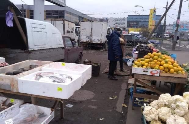 В Невском районе Петербурга процветает нелегальная торговля - все благодаря Гульчуку