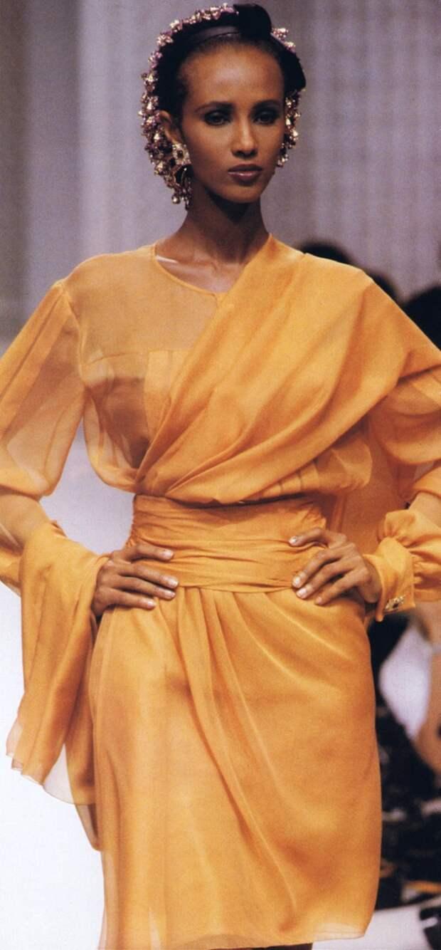 Роскошная вдова Дэвида Боуи Иман на подиуме: 15 лучших образов прошлого