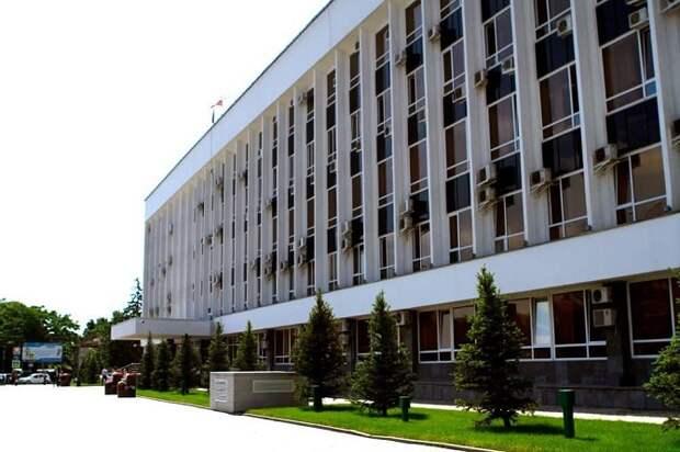 Непривитых и заразившихся ковидом сотрудников мэрии Краснодара лишат премий