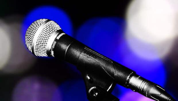 Лещенко спел песню «Не расстанусь с комсомолом» на концерте в Подольске