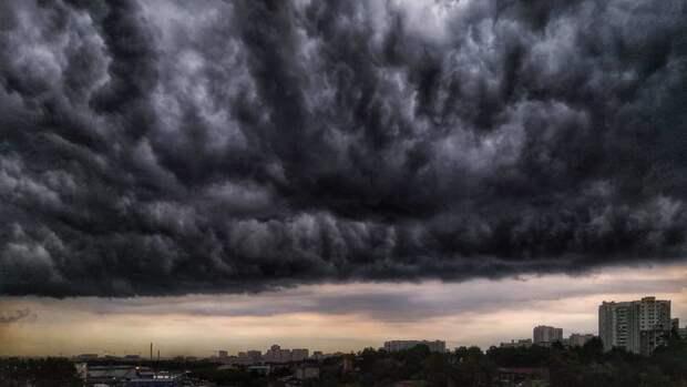 Пришёл черёд Киева: город затопило, бурные потоки хлынули в метро (ФОТО, ВИДЕО)