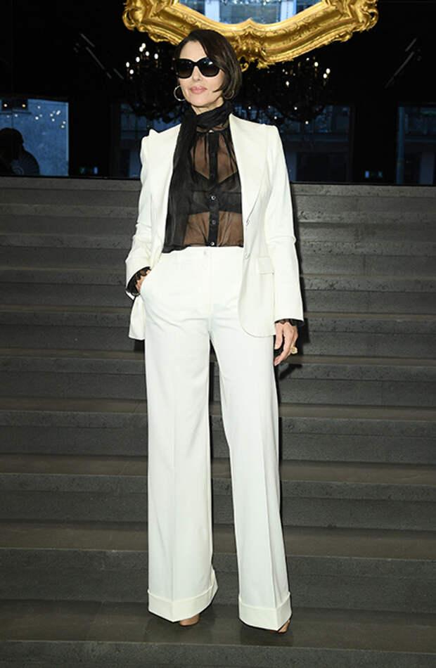 Перемены к лучшему: Моника Беллуччи в новом образе на шоу Dolce & Gabbana в Милане