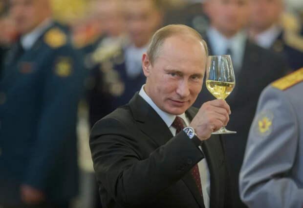 С днём рождения, режиссёр Путин!