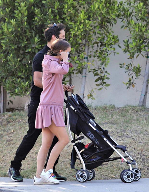 Натали Портман ждет третьего ребенка: фотодоказательство