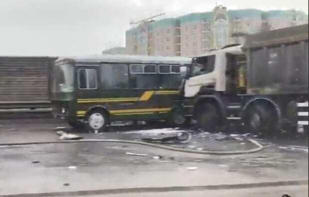 Минобороны подтвердило гибель 4 военных в ДТП в Подмосковье