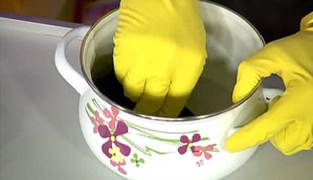 Как очистить эмалированную посуду?