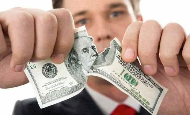 Правительство России твёрдо решило отказаться от доллара, но не до конца