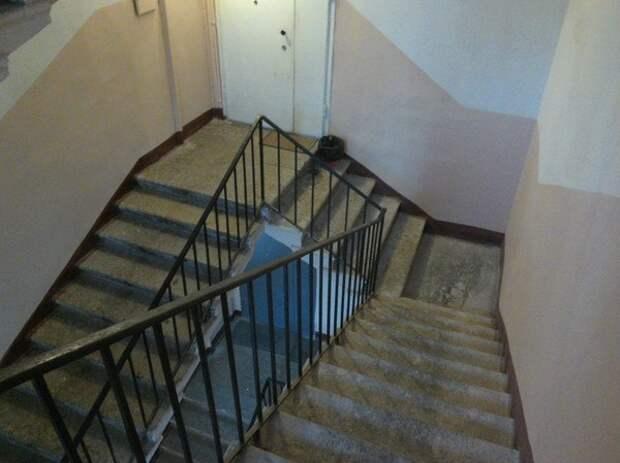 Лестница Эшера. Уровень: Россия