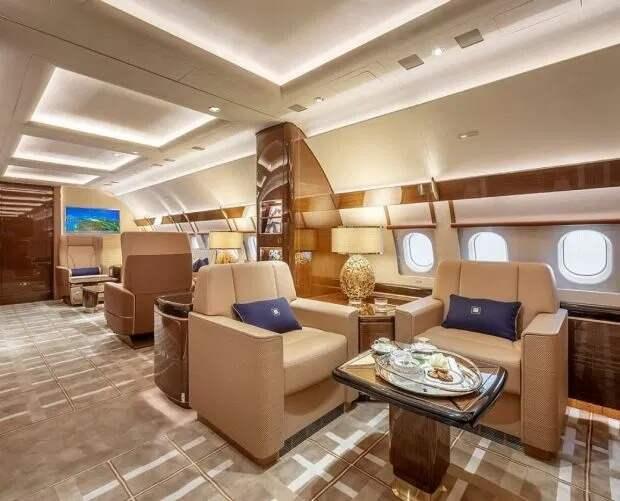 Для птиц высокого полета: как выглядит изнутри новый роскошный частный самолет на 17 пассажиров