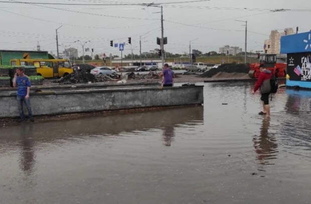 Киев накрыл мощный ураган, затоплены некоторые станции метро