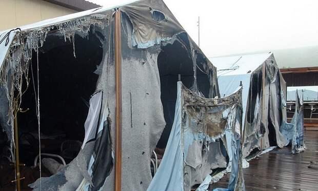 У палаток сгоревшего лагеря был сертификат негорючести: купить их рекомендовало правительство края