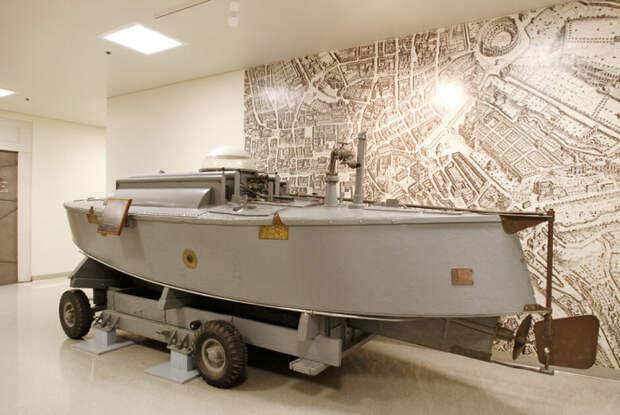 Мобильная подводная лодка  Фото: pikabu.ru