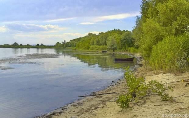 Тихая река Дон.
