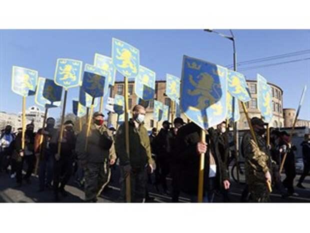 Спектакль для Запада. Почему Офис президента Украины впервые осудил марш нацистов
