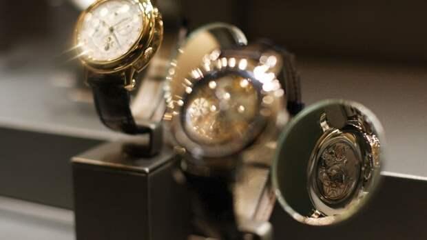 Часы с золотом и алмазами: Иркутская чиновница оказалась в 11 раз богаче быдла - СМИ