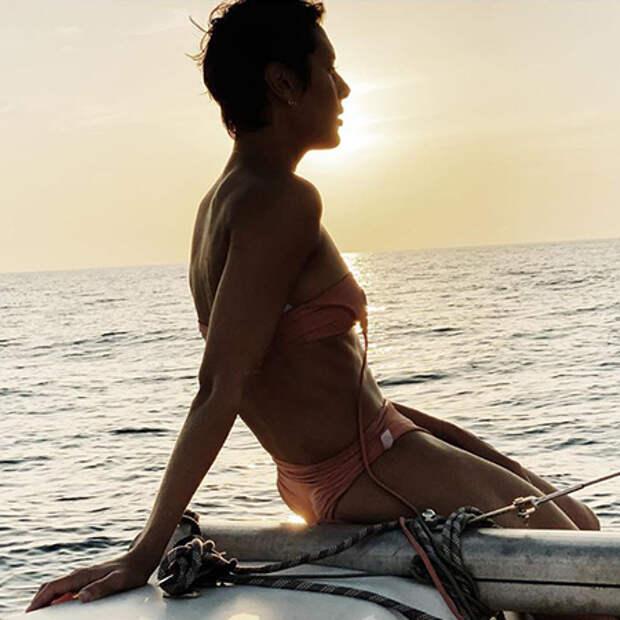 "Лето на ""Сплетнике"": Нюша, Сальма Хайек, Рита Дакота и другие покоряют пляжи"