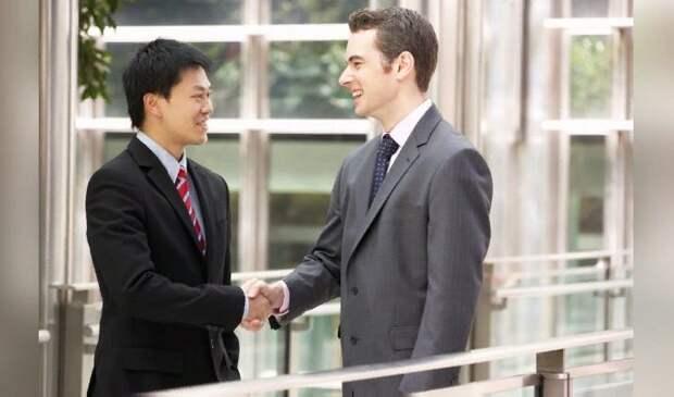 В Китае можно помогать компаниям, изображая их иностранного партнера