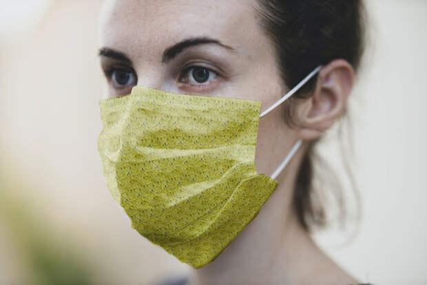 Инфекционист назвал тканевые маски плохой защитой от коронавируса