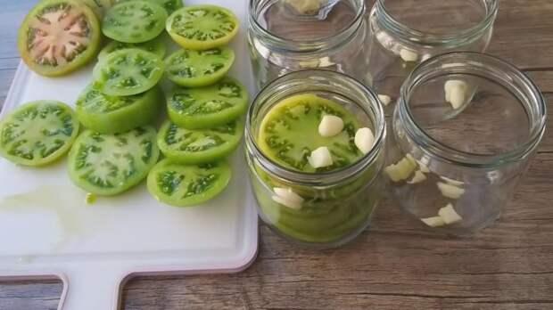 Необычная и вкусная заготовка зелёных помидоров — вы тоже будете так делать