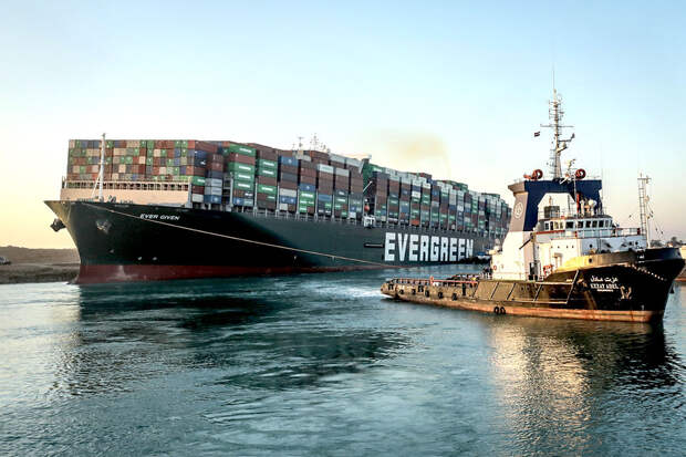 Разблокированный Суэцкий канал будет открыт для навигации через три дня