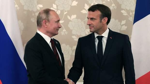Дурное влияние России: Во Франции начали преследовать непривитых