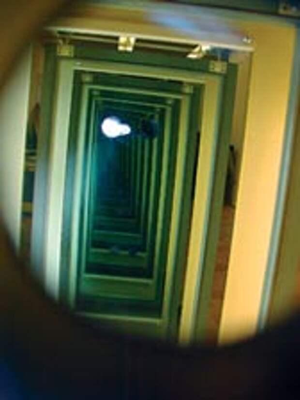 Гадание на суженого по зеркалам, зеркальный коридор