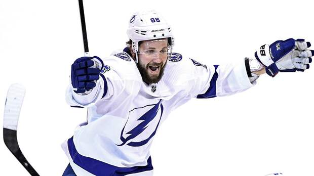 Побил рекорд Буре и оторвался от Овечкина. Русский хоккеист Кучеров переписывает историю НХЛ и «Тампы»