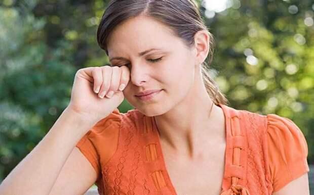Как приучить себя перестать трогать лицо руками