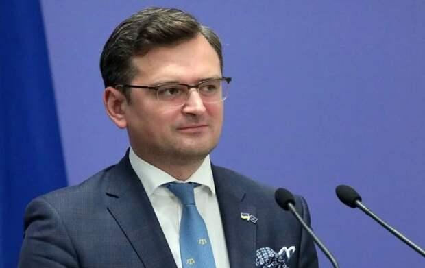 Глава МИД Украины назвал российскую вакцину «гибридным оружием»
