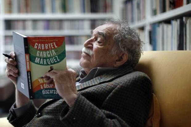 4. Габриэль Гарсиа Маркес «Вспоминая моих грустных шлюх»  книги, ночь, чтение