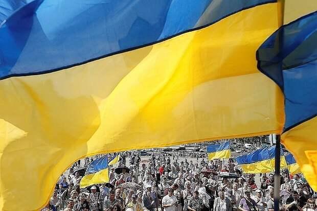 На Украине средняя зарплата впервые превысила 500 долларов