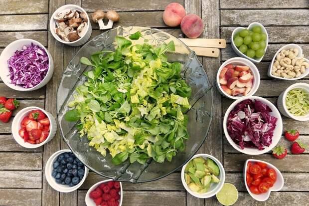 Доктор Мясников назвал главные витамины для укрепления иммунитета