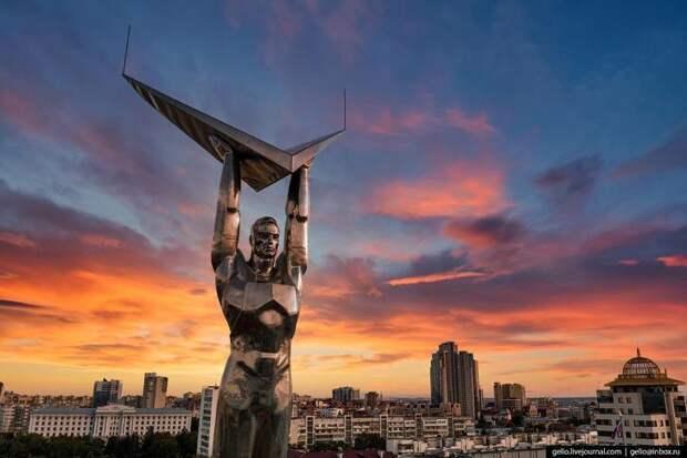 Красавица Самара свысоты– космический город наВолге