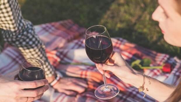 Ученые из Великобритании назвали самый безвредный алкогольный напиток