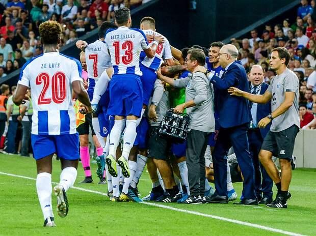 «Порту» после победы над «Ювентусом» в ЛЧ лишь в дополнительное время одолел последнюю команду Суперлиги «Маритиму»