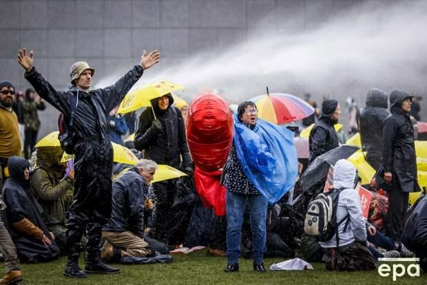 Подавление антикоронавирусных протестов в Амстердаме
