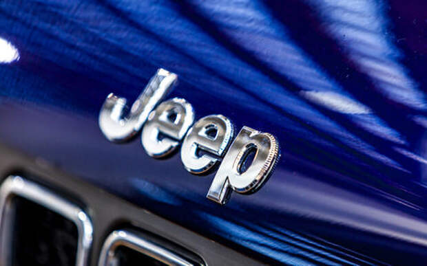 Jeep отзывает дефектные машины из-за сбоев коробок передач