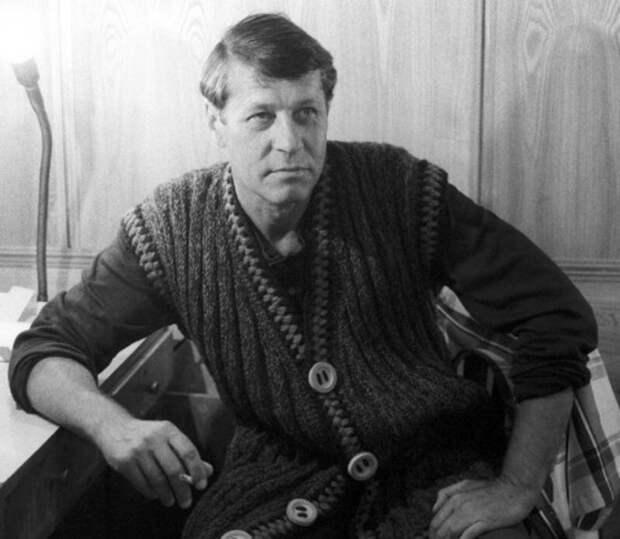 Как менялся следователь Знаменский, актер Георгий Мартынюк, с течением времени.