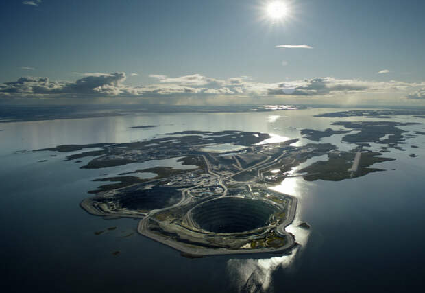 10 огромных ям выкопанных в Земле: поместится целый город