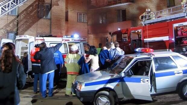 Полицейские спасли людей изгорящего дома вЕкатеринбурге