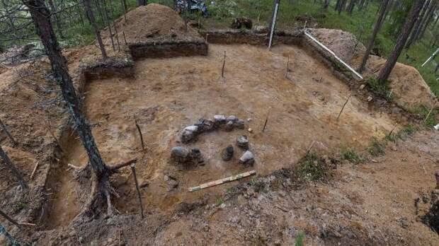 """В Карелии найден лабиринт и """"многоквартирные"""" жилища древних"""