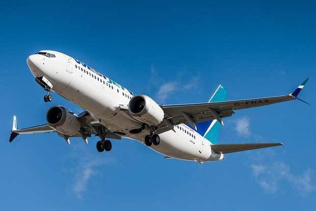 Гендиректор Boeing заявил о безопасности доработанных самолетов 737 MAX